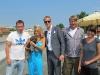 Natalie Langer mit Immobilienmakler Alexander Posth und Produktionsteam